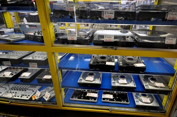 Second hand turntables at Nakano Broadway