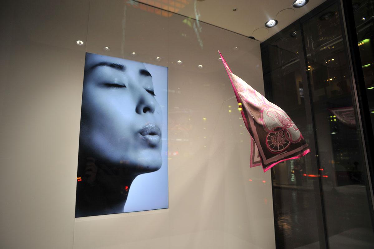 Genius Show Window Herms Tokyoblings Blog