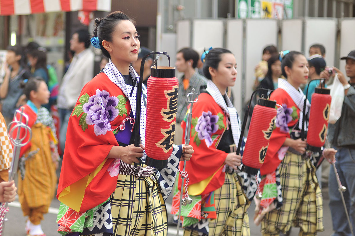 the culture and tradition of japan Japan is a collectivist culture, whereas the united states is more individualistic japanese culture is focused on groups and communities satisfaction and pride.