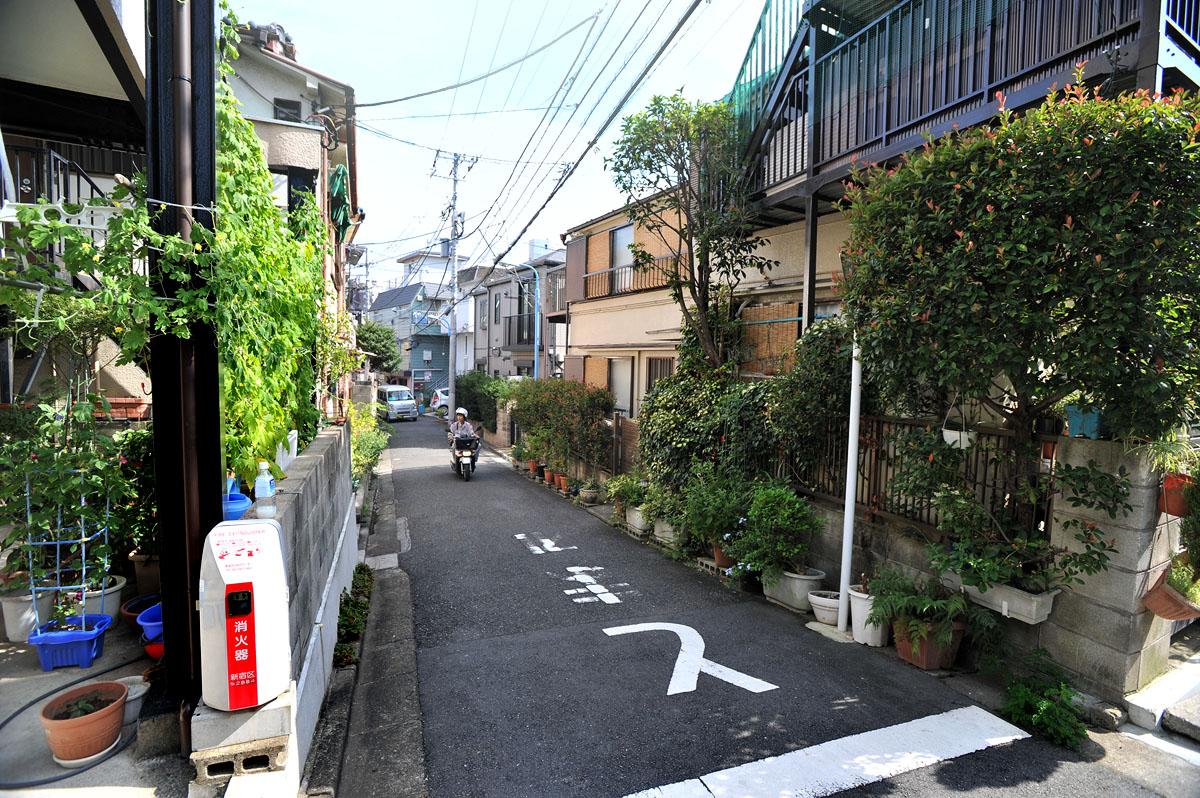 A Walk Down Kagurazaka | Tokyobling's Blog  A Walk Down Kag...