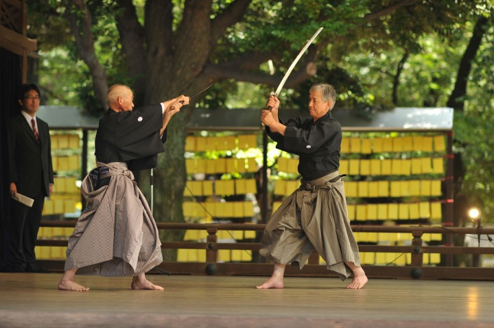 swords_yasukuni_shrine_4986