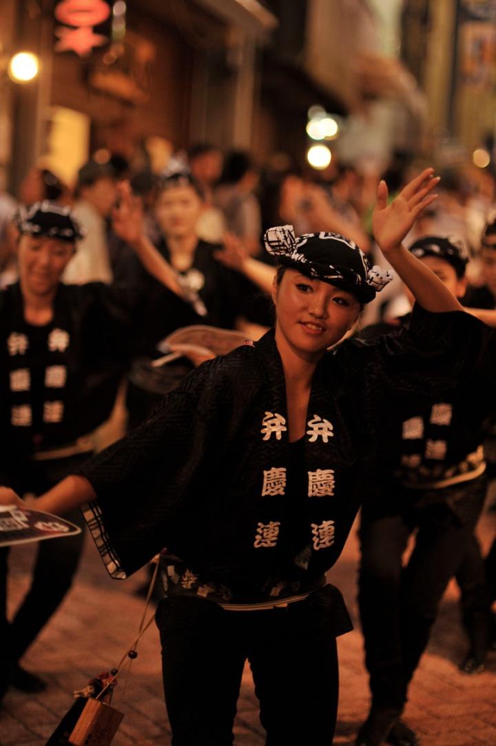 ダンサーによる阿波踊り