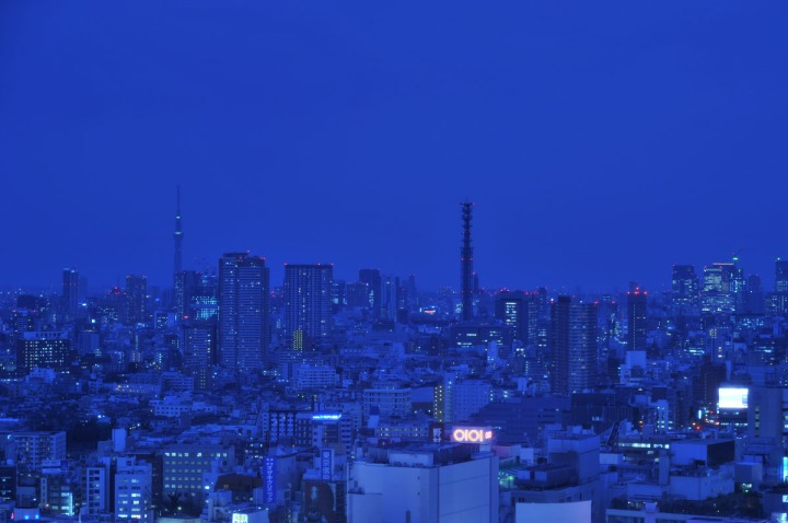 shinjuku_blue_light_8367