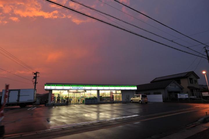 hyuga_convenience_store_family_mart_6685
