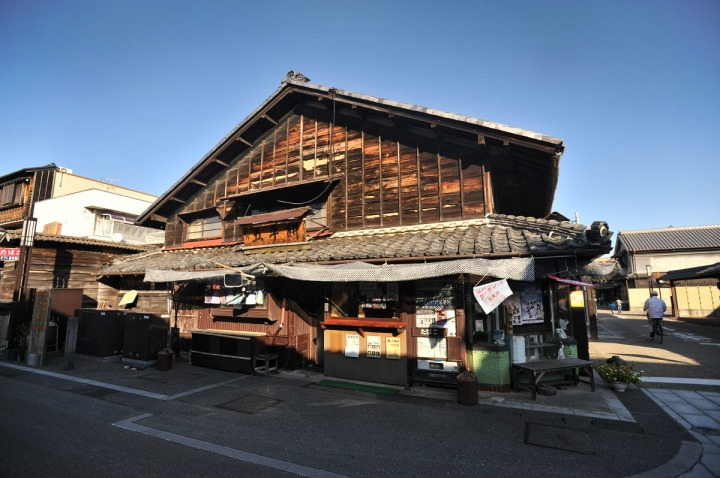 inuyama_castle_town_1728