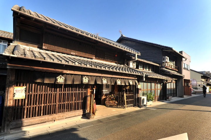 inuyama_castle_town_1737