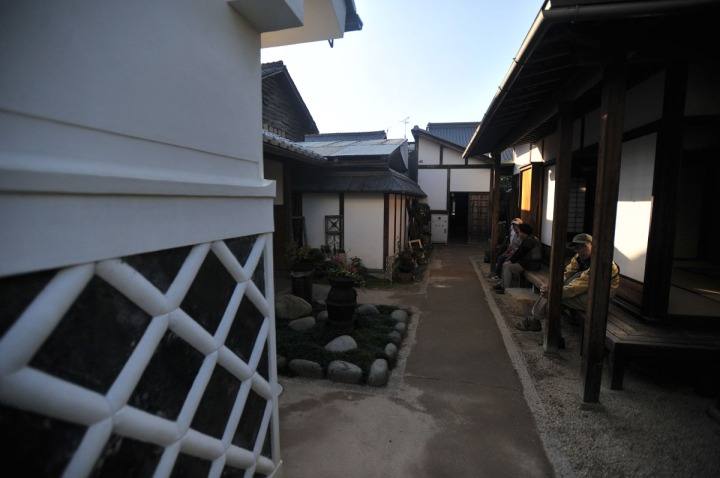 inuyama_castle_town_1751