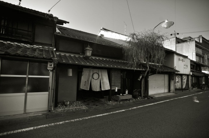 inuyama_castle_town_1753