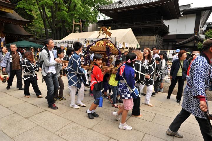kurayami_matsuri_kids_omikoshi_7078