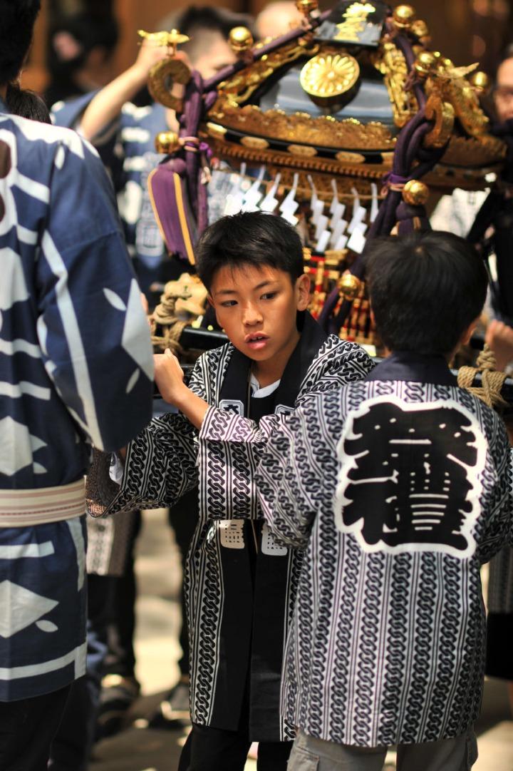 kurayami_matsuri_kids_omikoshi_7143