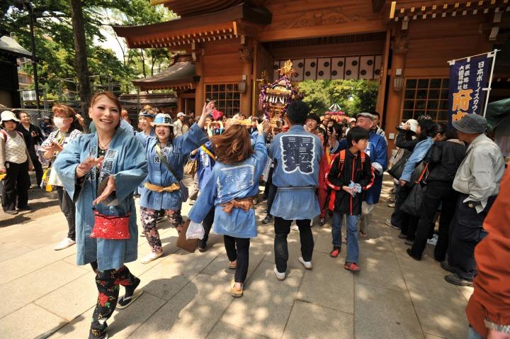 kurayami_matsuri_kids_omikoshi_7148