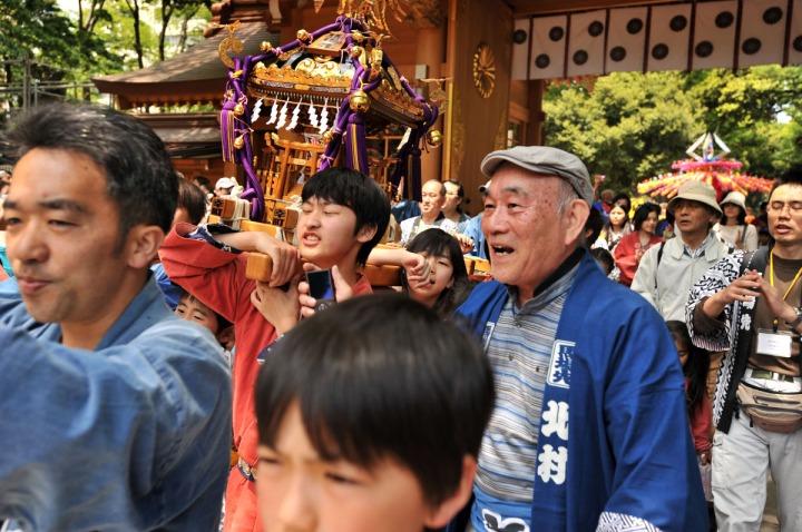 kurayami_matsuri_kids_omikoshi_7150