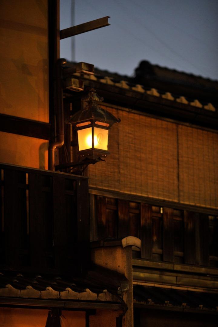 kyoto_gion_atnight_8343