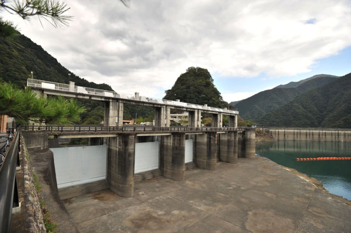 lake_okutama_ogochi_dam_5557