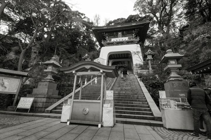enoshima_shrine_zuishinmon_0317