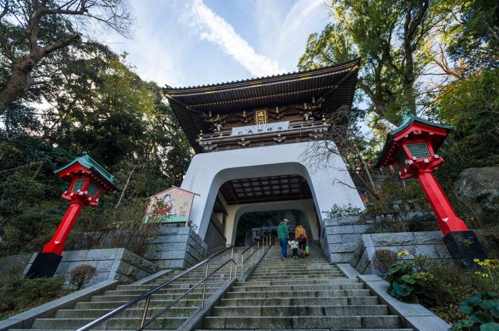 enoshima_shrine_zuishinmon_0324