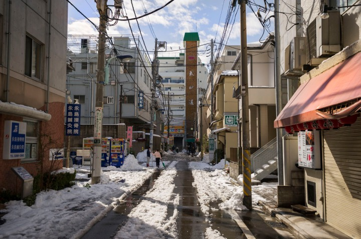 snowy_tokyo_streets_2733