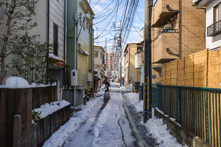 snowy_tokyo_streets_2771