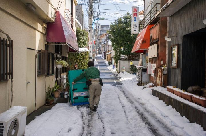 snowy_tokyo_streets_2782