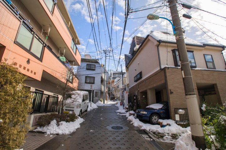 snowy_tokyo_streets_2785