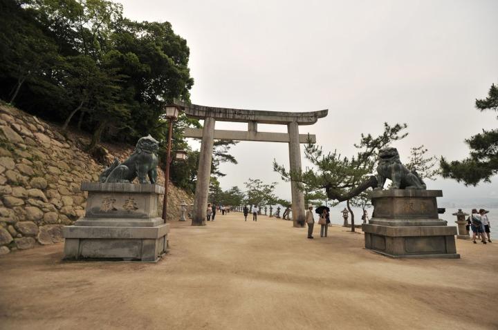 itsukishima_shrine_miyajima_torii_6661