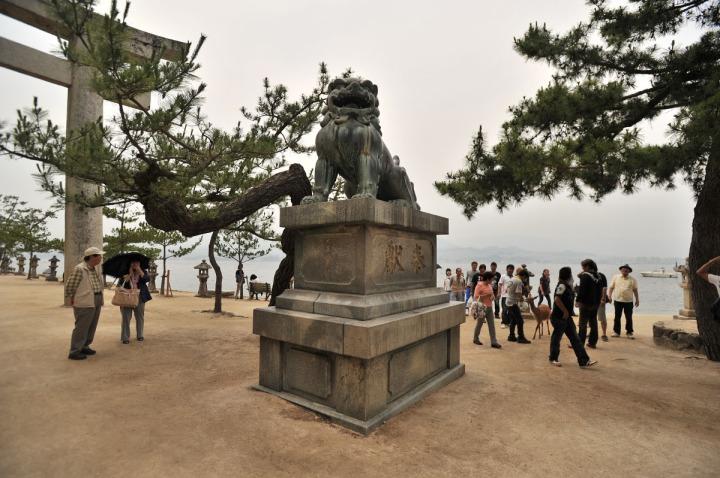 itsukishima_shrine_miyajima_torii_6662