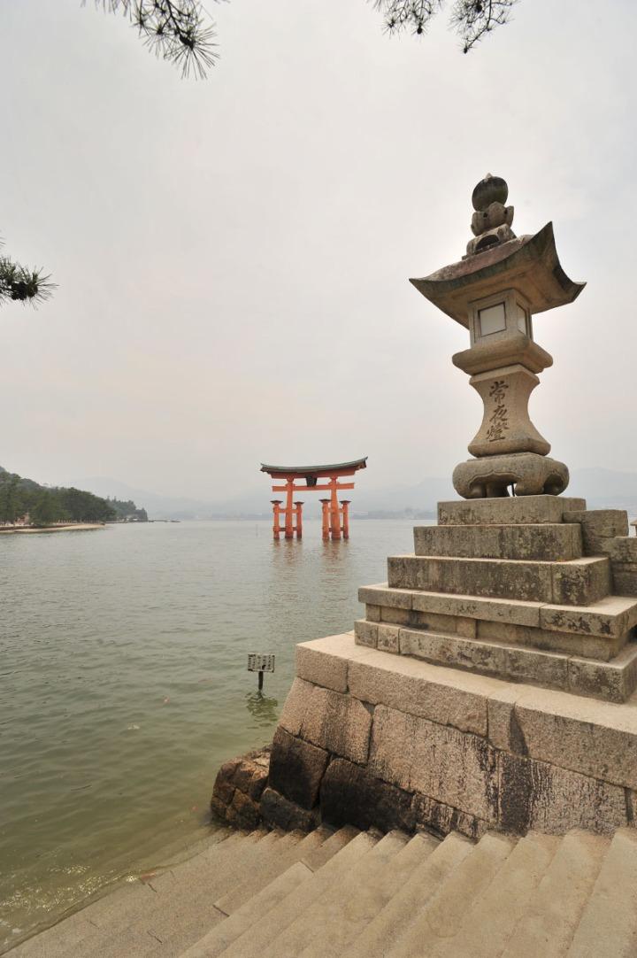 itsukishima_shrine_miyajima_torii_6747