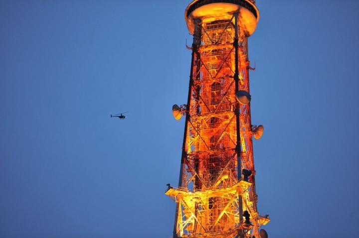 tokyo_tower_at_dusk_9765