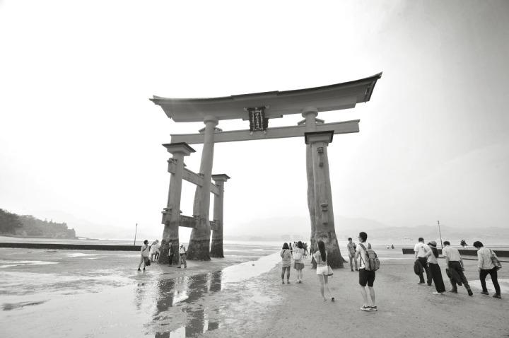 itsukushima_shrine_miyajima_torii_7740