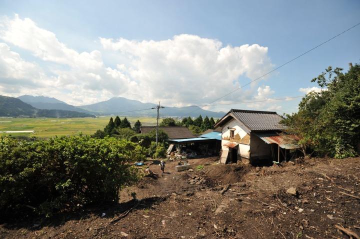 kyushu_mudslide_damage_8079