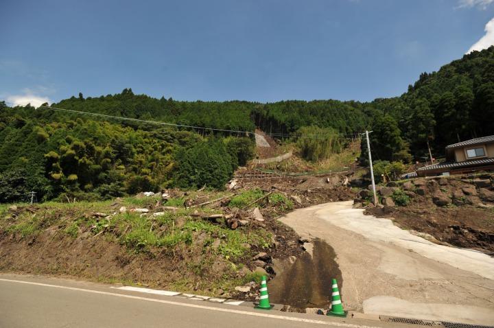 kyushu_mudslide_damage_8081