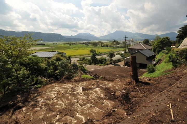 kyushu_mudslide_damage_8092