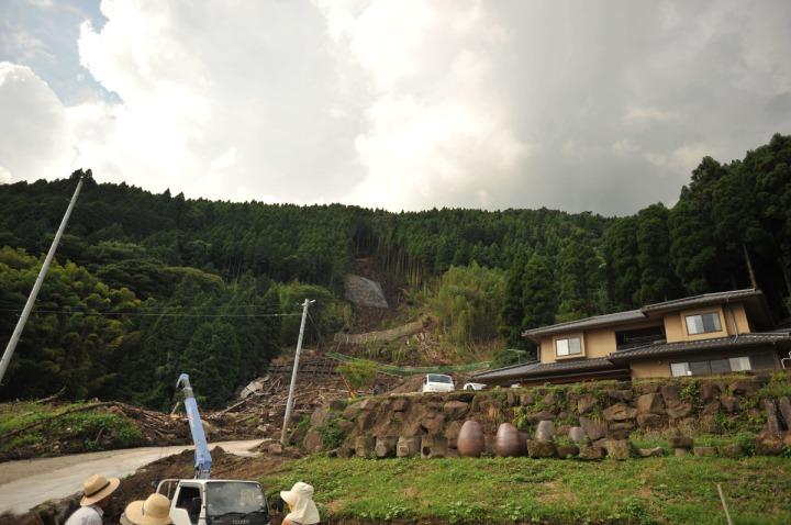 kyushu_mudslide_damage_8705