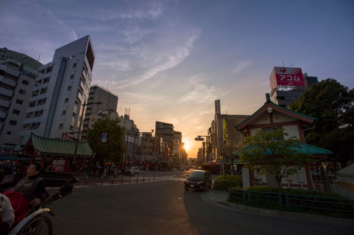 sunset_in_asakusa_3375