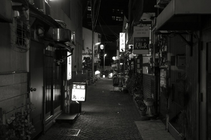 kagurazaka_backstreets_night_0856