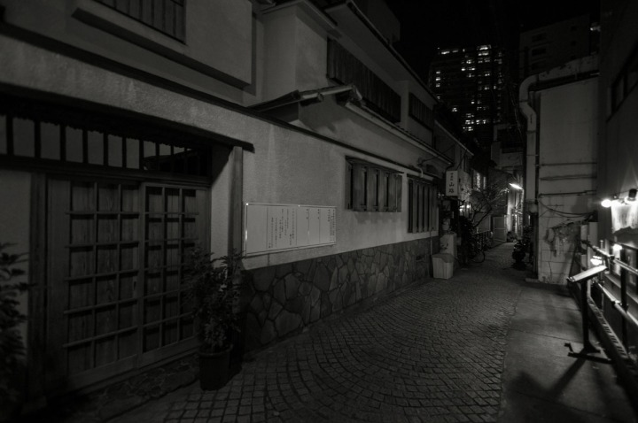 kagurazaka_backstreets_night_0907