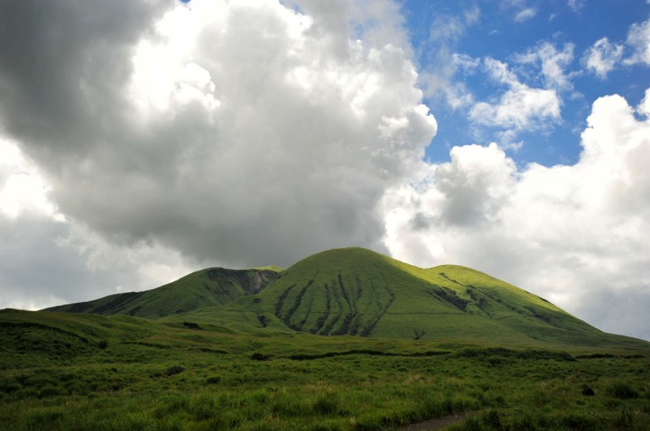 driving_to_mount_aso_8163