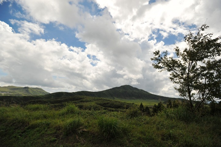driving_to_mount_aso_8171