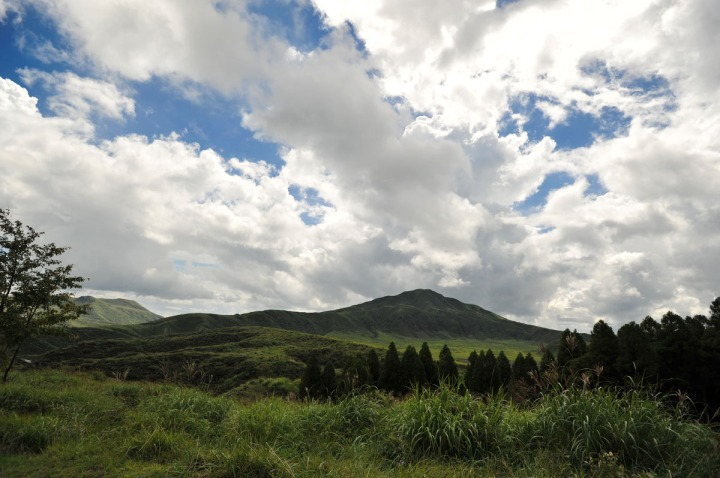 driving_to_mount_aso_8172