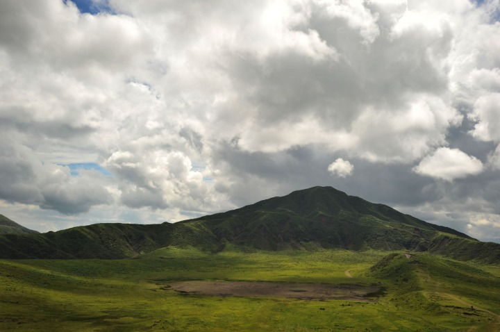 driving_to_mount_aso_8181